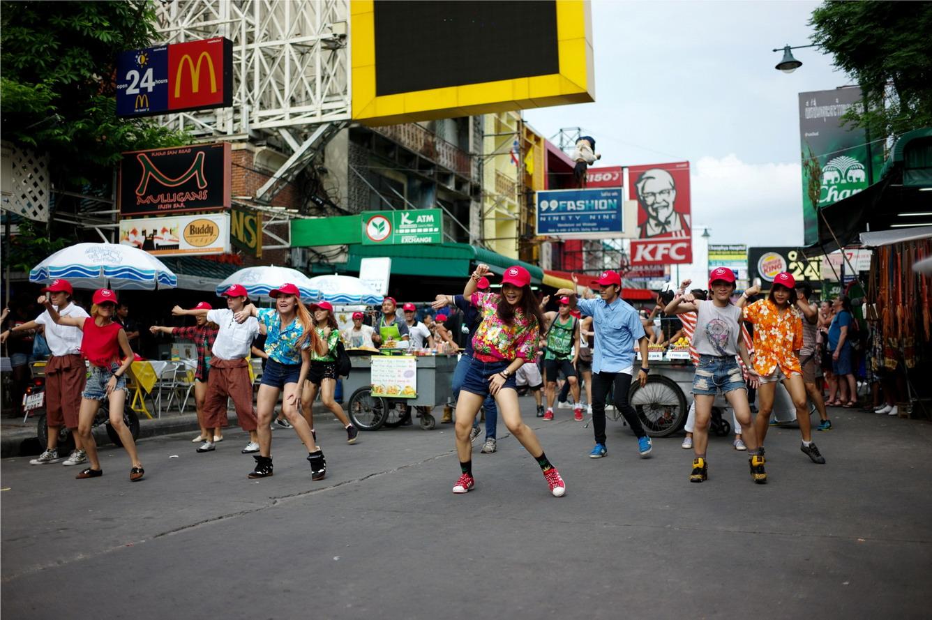 6.Lang thang trên phố Khao San