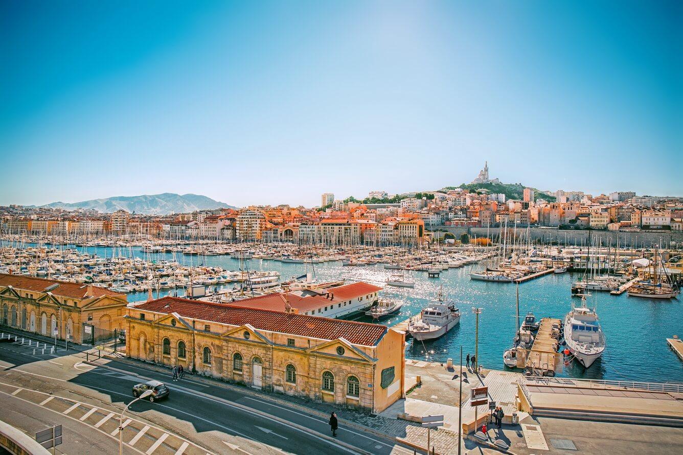 2. Giấc mơ biển xanh Marseille (Pháp)
