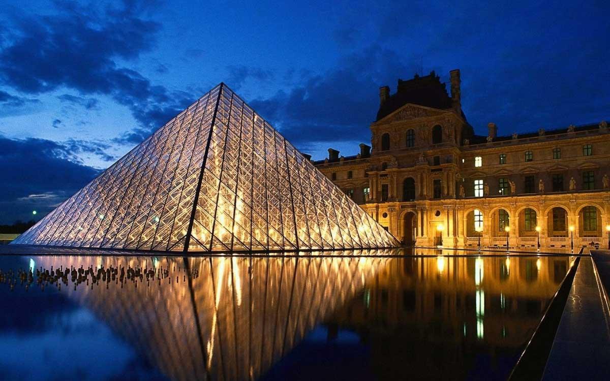 9) Paris, France