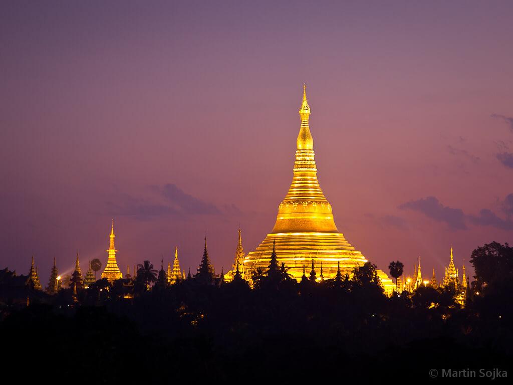 2. Shwedagon Pagoda