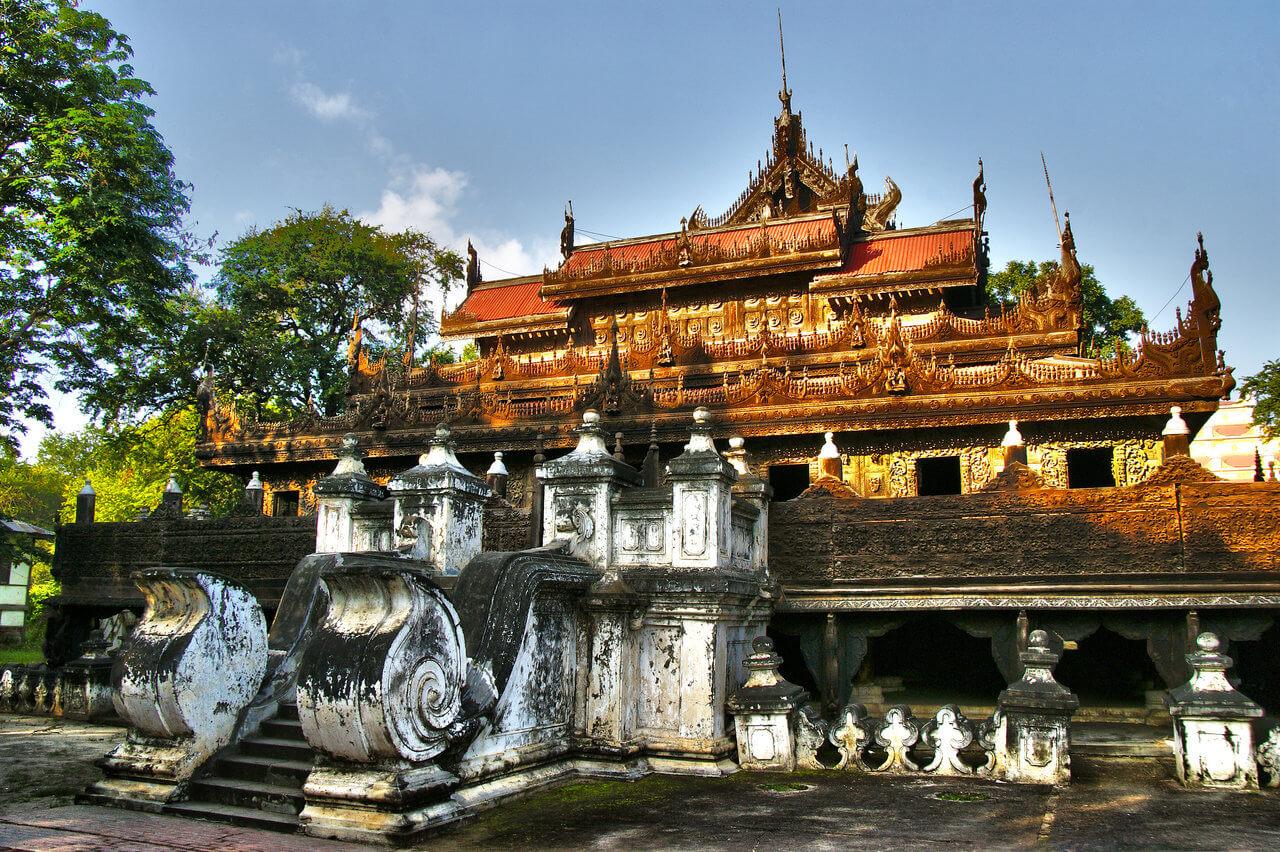 8. Shwenandaw Monastery