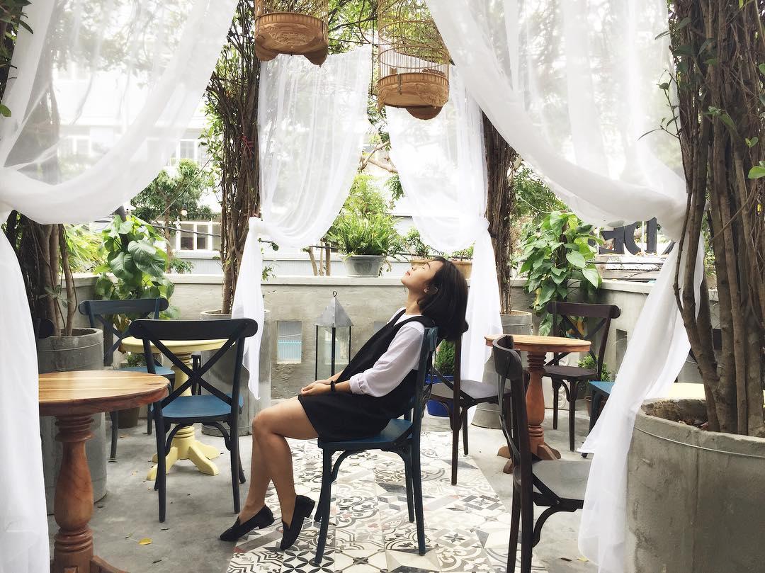 6. Spend a Few Hours at a Café or Bar