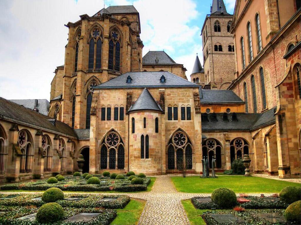10. Trier