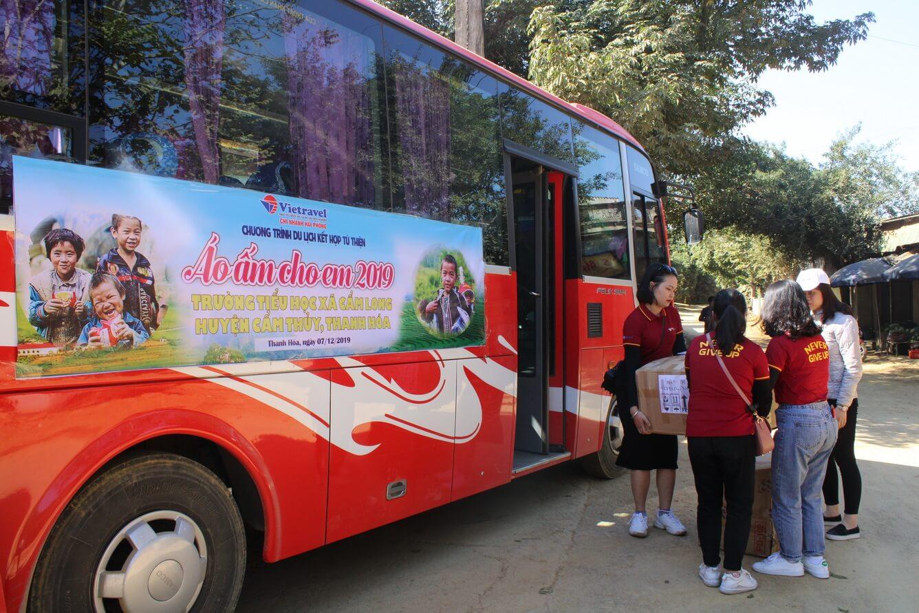 Vietravel Hải Phòng Du lịch từ thiện 'Áo ấm cho em' 2019 - Hành trình đem yêu thương về Xứ Thanh