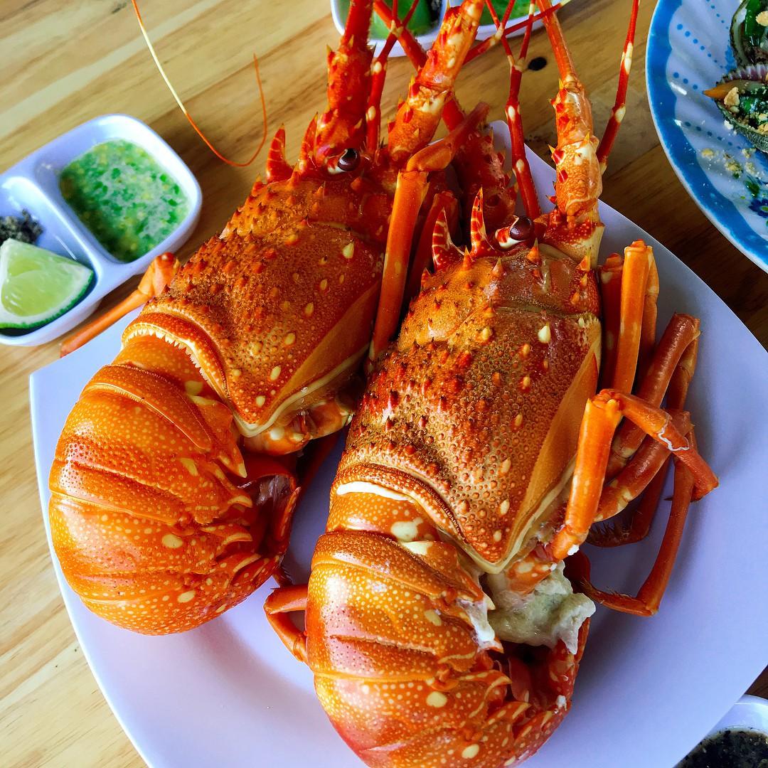 """Đến Bình Hưng (Khánh Hòa) ăn tôm hùm """"sang chảnh"""""""