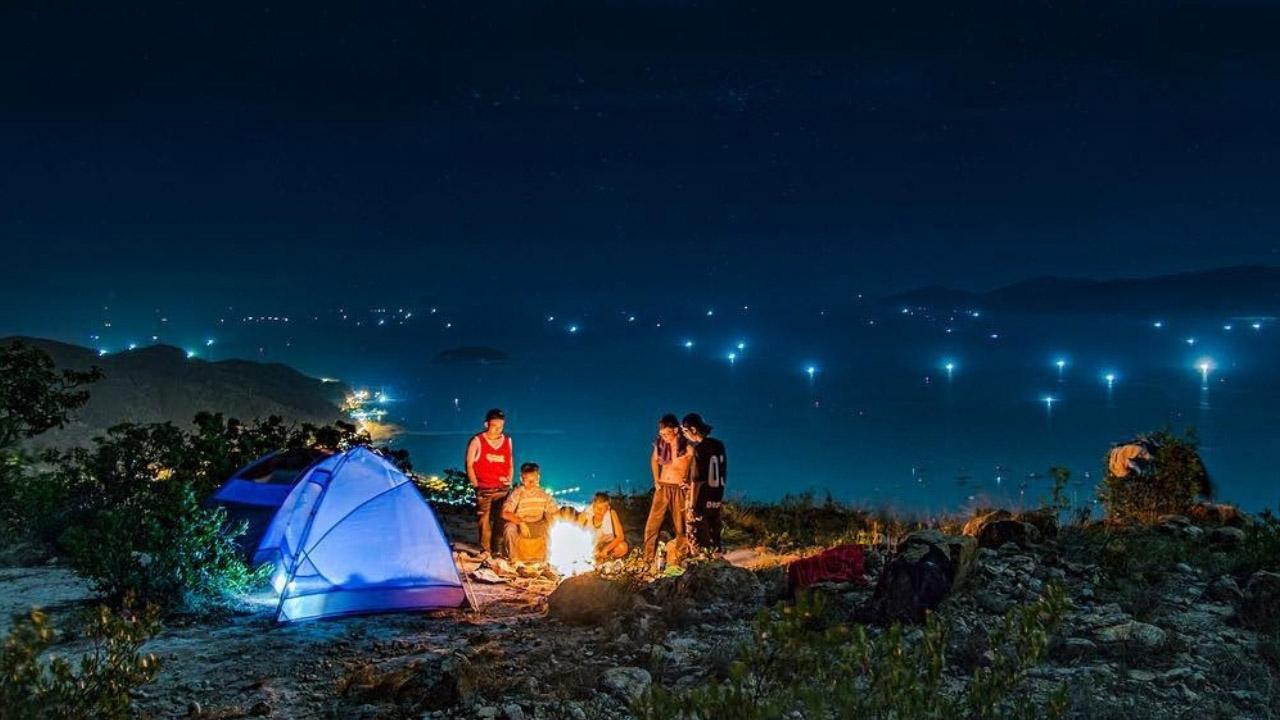 """Cắm trại đêm, săn """"sương mây - nắng hạ"""""""