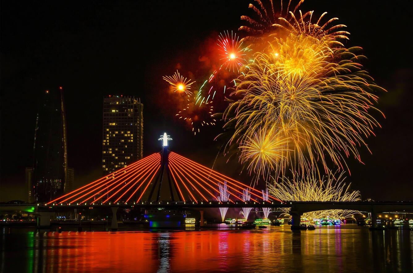 Đà Nẵng - nơi 'hẹn hò' với những cây cầu nổi tiếng đôi bờ sông Hàn