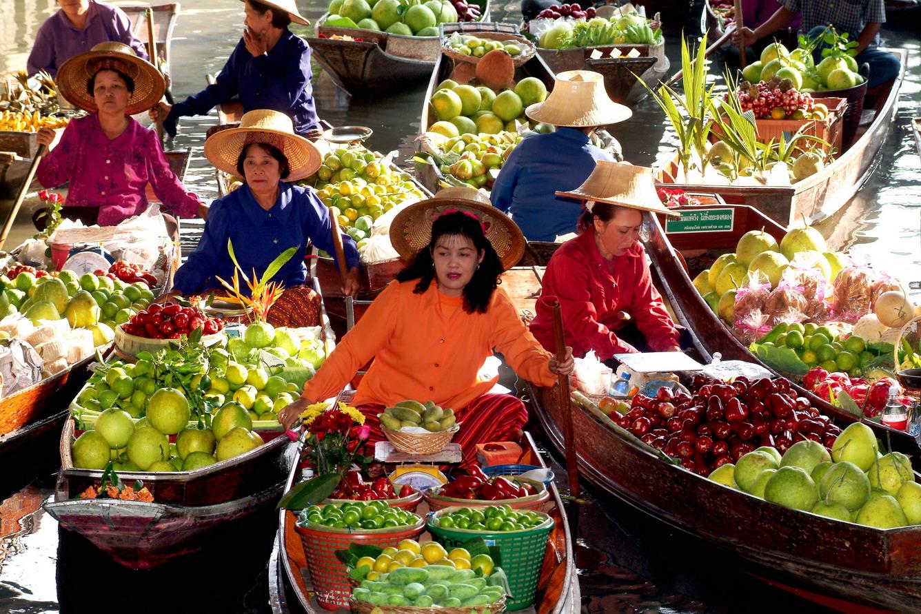 1.Xem chợ nổi Thái Lan