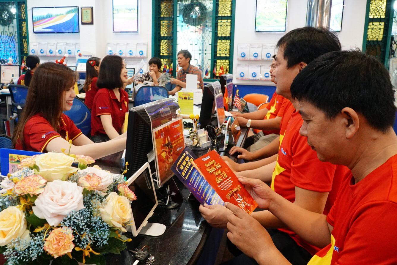 'Nóng' tour xem chung kết bóng đá nam SEA Games 30