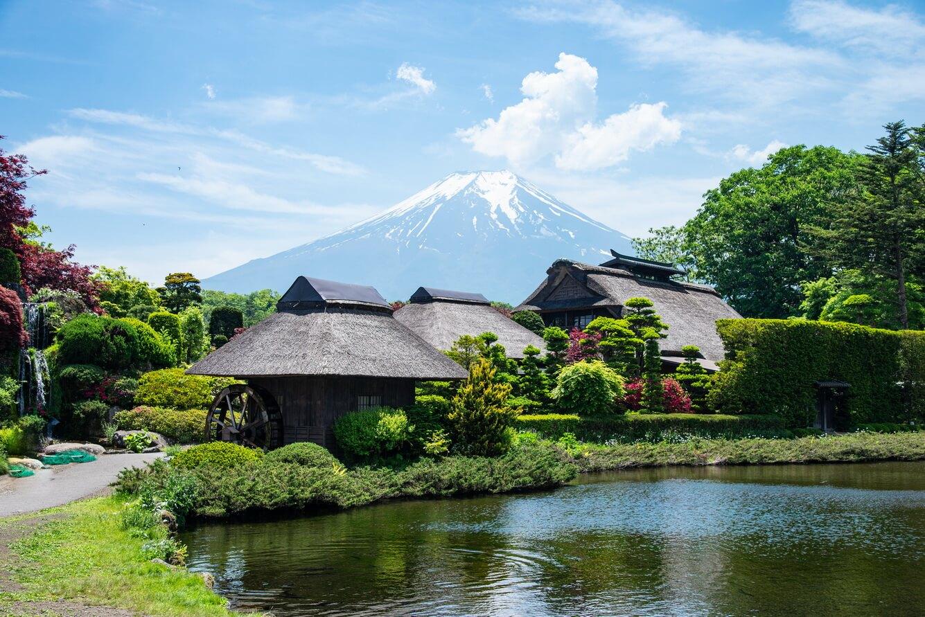 Vẻ đẹp yên bình làng cổ Oshino Hakkai