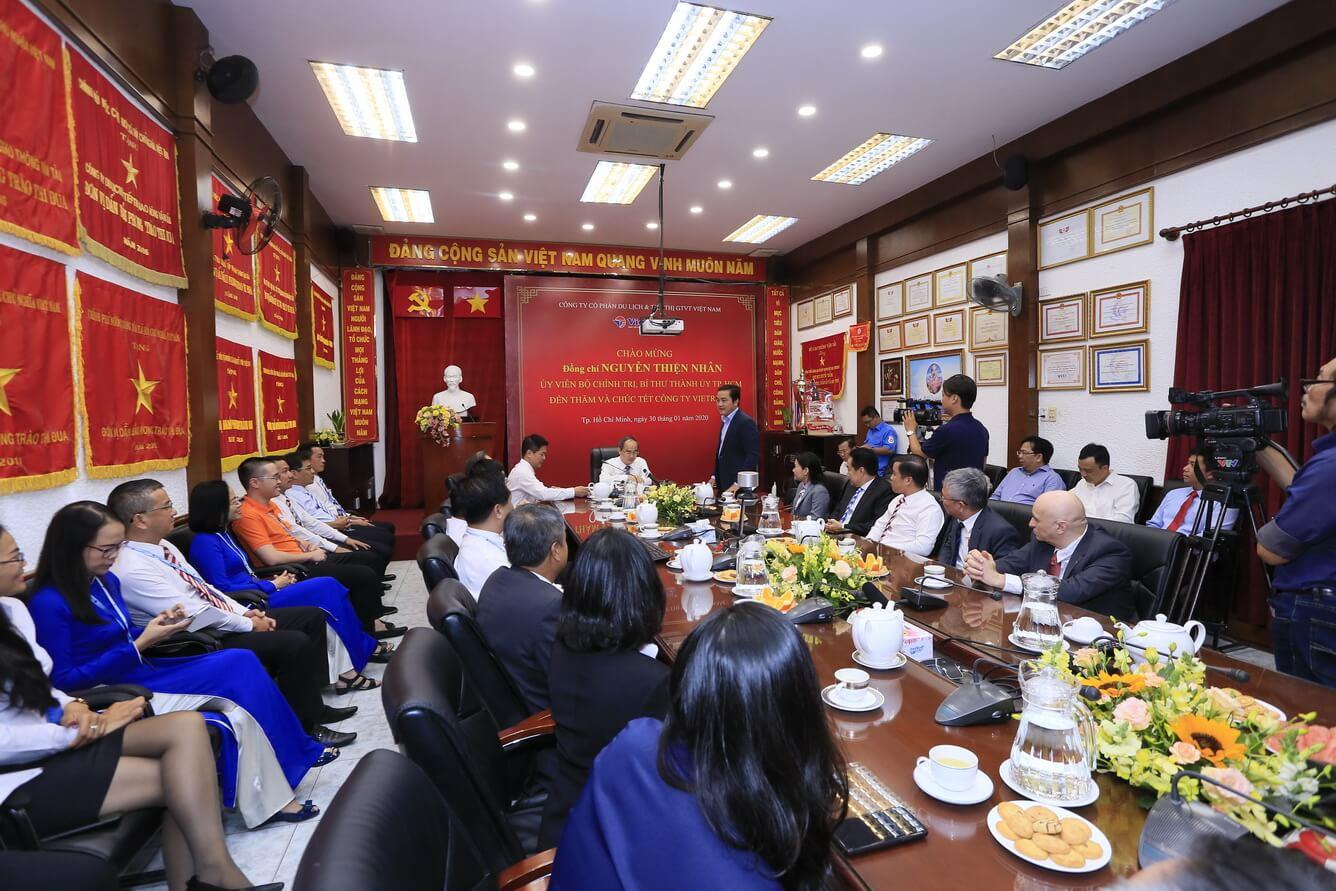 Đồng chí Nguyễn Thiện Nhân - Ủy viên Bộ Chính trị, Bí thư Thành ủy TP.HCM thăm và chúc Tết Công ty Du lịch Vietravel