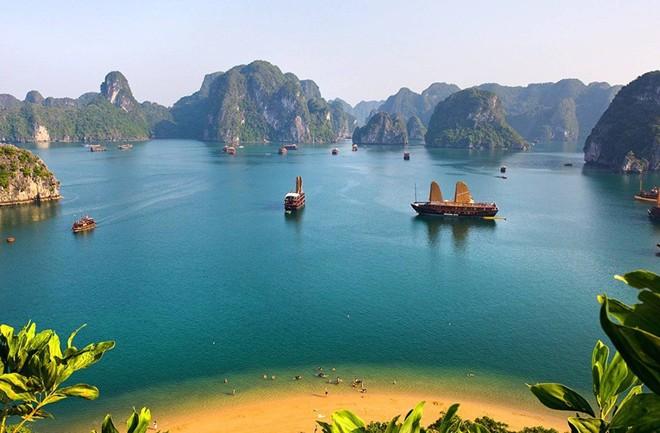 Vịnh Hạ Long - Vùng nước đẹp nhất thế giới