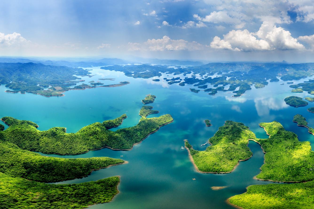 Hồ Tà Đùng - 'Vịnh Hạ Long' giữa núi rừng Tây Nguyên