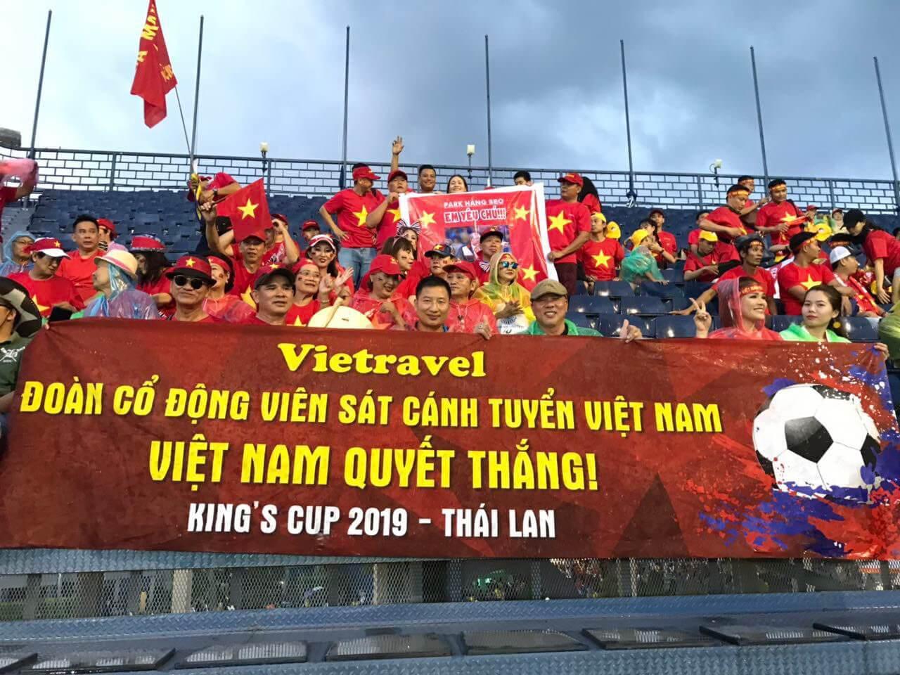 Bay ngay sang Thái, 'cháy' hết mình cùng đội tuyển Việt Nam tranh chức vô địch King's Cup 2019
