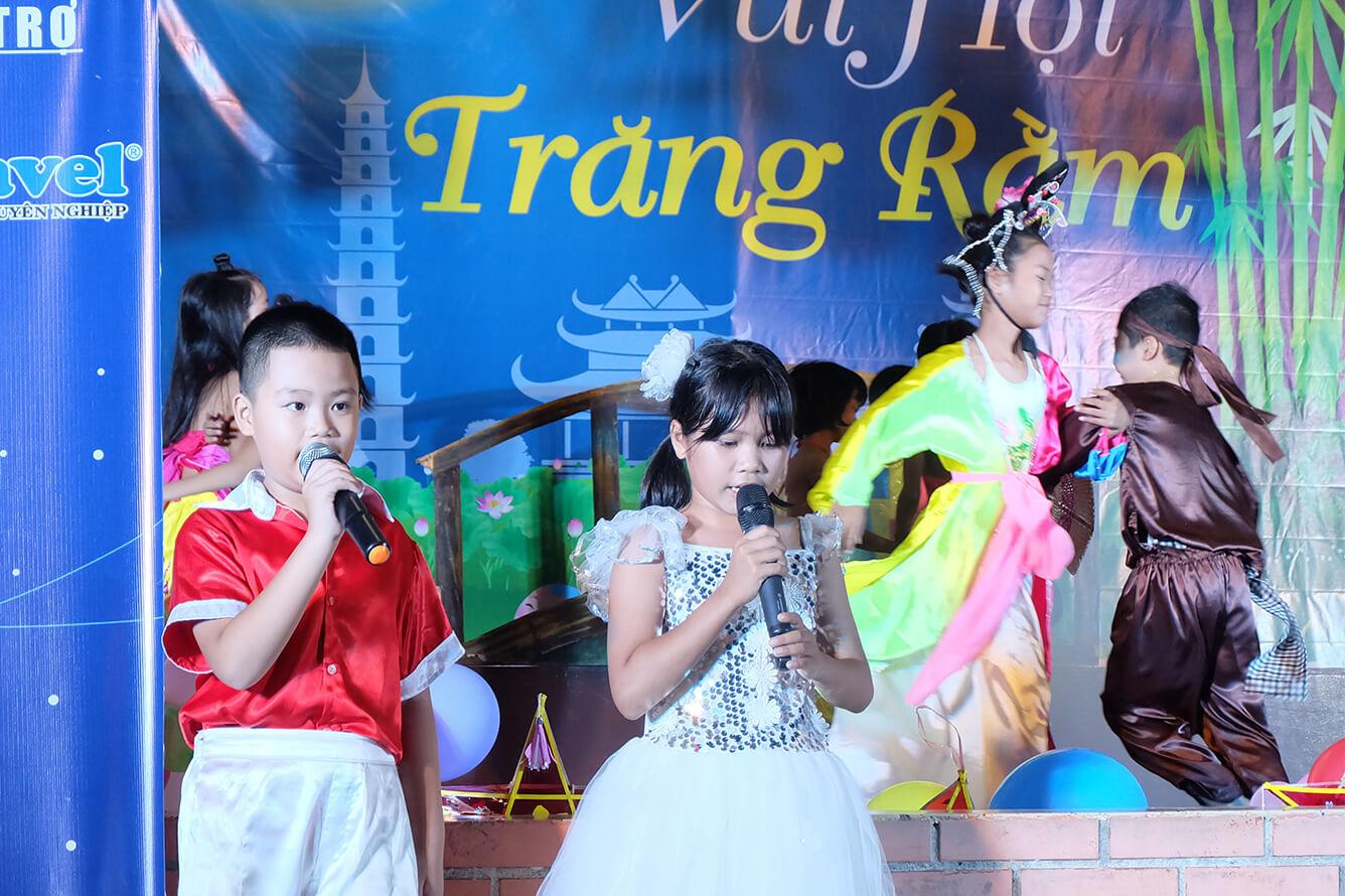 Vietravel tổ chức đêm 'Vui Hội Trăng Rằm' tại Làng trẻ em SOS Khánh Hòa