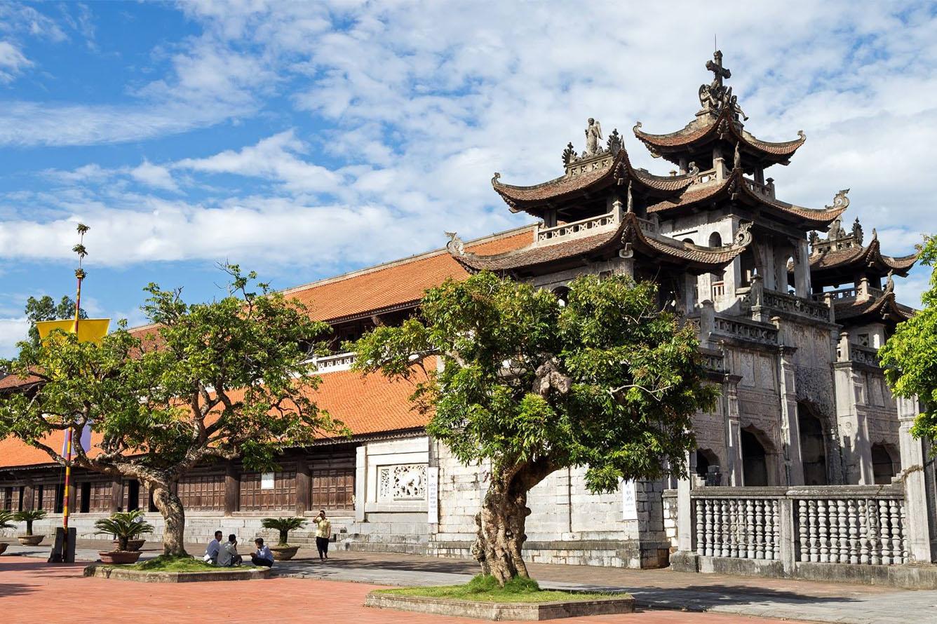 Nhà thờ chính tòa Phát Diệm (Ninh Bình)