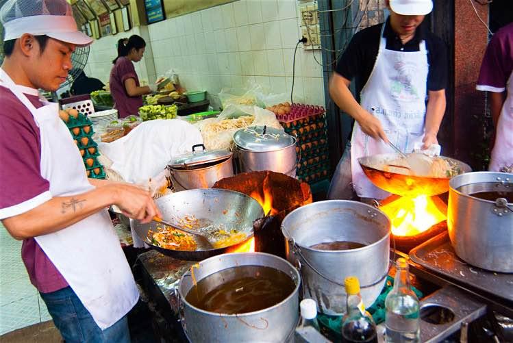 How to eat pat tai