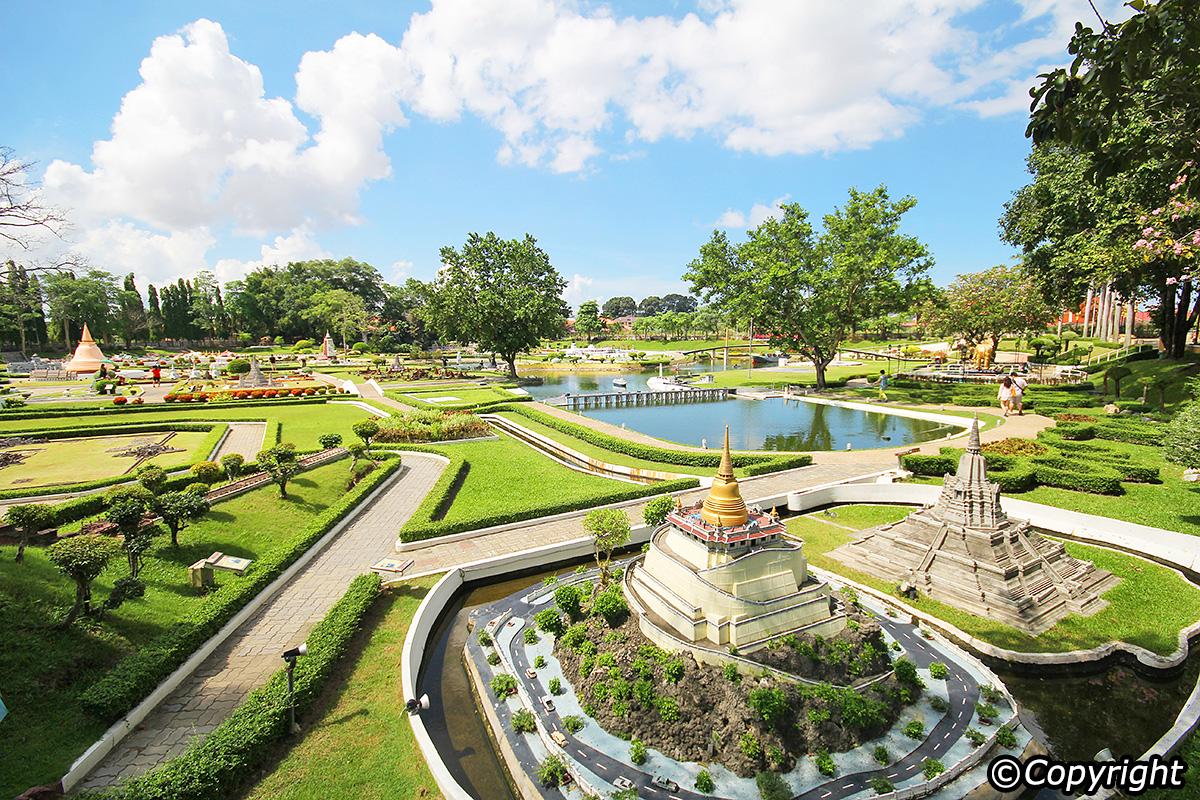 1. Explore the breath-taking Siam Pattaya and Chanthaburi Sapphire Mines