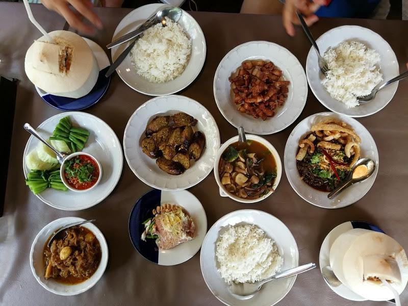 4. Tong Tem Toh – Northern Thai cuisine