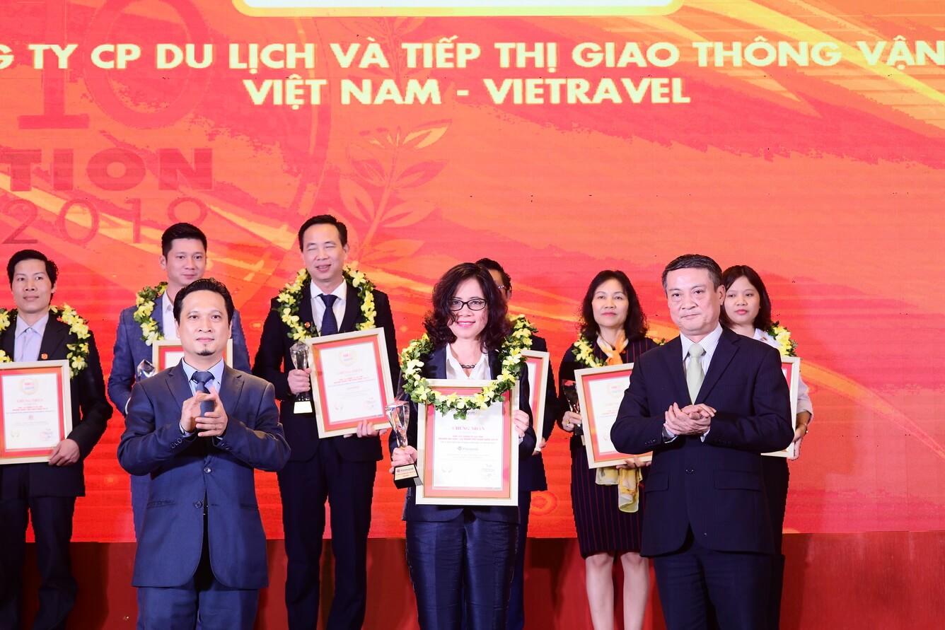 Vietravel vinh dự 3 năm liên tiếp dẫn đầu top 10 công ty uy tín ngành Du lịch - Lữ hành (2017 - 2019)