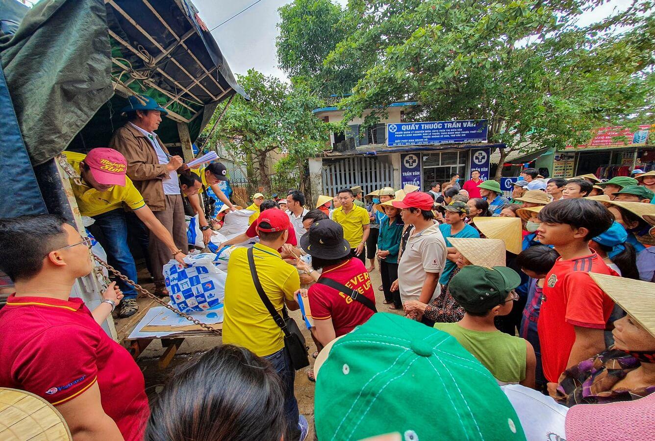 Vietravel tiếp sức người dân vùng lũ  tỉnh Quảng Trị, Quảng Bình