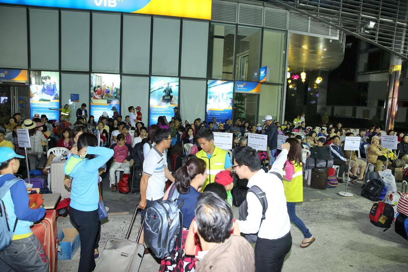 Rộn ràng hàng ngàn lượt khách du xuân cùng Vietravel