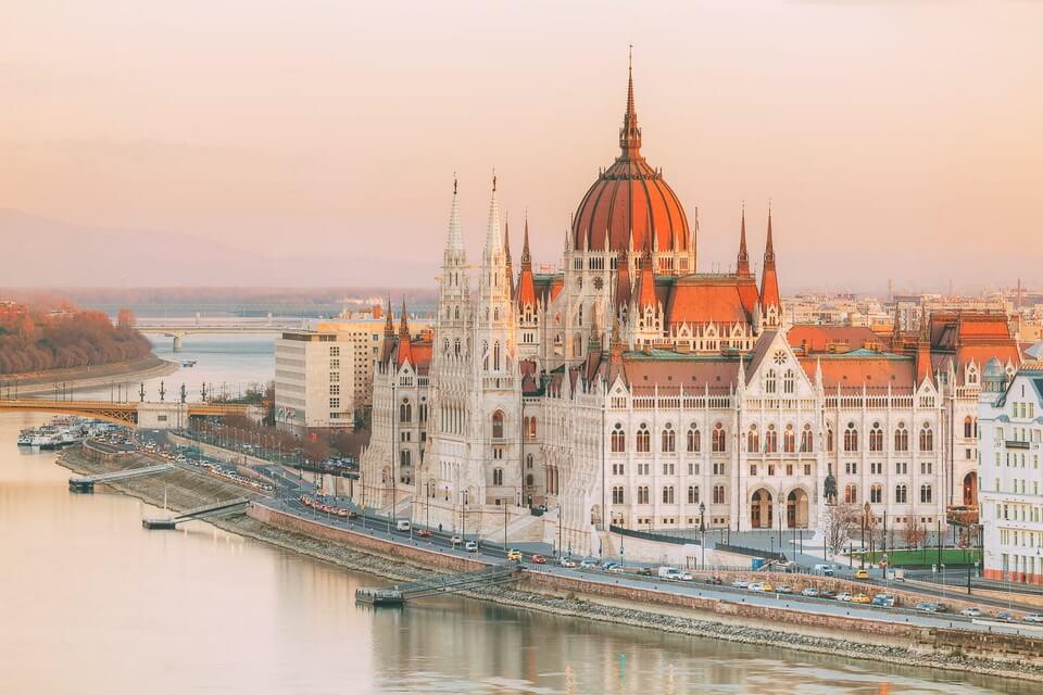 Vietravel Hà Nội giới thiệu tuyến mới hành trình chạm đến 'viên ngọc quý' Đông Âu