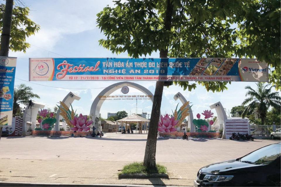 Vietravel tài trợ bạc Festival Văn hóa Ẩm thực Du lịch Quốc tế - Nghệ An 2019