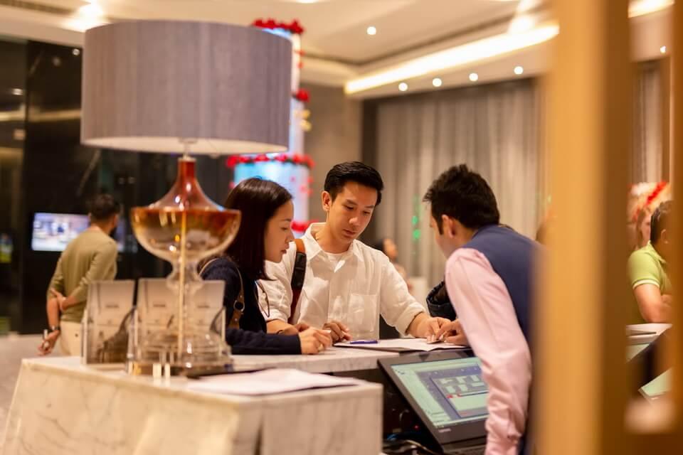 Tại sao Quản trị Khách sạn luôn 'hot' trong thị trường tuyển dụng?