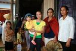 Vietravel trao hàng cứu trợ đến đồng bào vùng lũ Quảng Bình