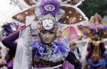 Lễ hội hoá trang Batik Carnival ở Indonesia