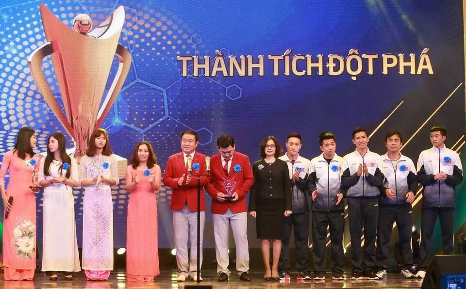 VIETRAVEL ĐỒNG HÀNH CÙNG GIẢI THƯỞNG CÚP CHIẾN THẮNG 2017 - O'SCAR THỂ THAO VIỆT NAM