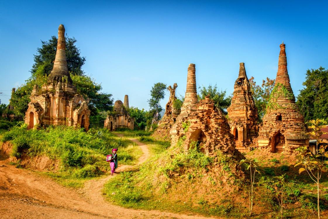 Explore 2 famous ancient pagodas at Indein village