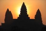 """Vietravel nhận giải thưởng """"Outstanding Tour Operator 2010"""" của Bộ Du lịch Campuchia"""