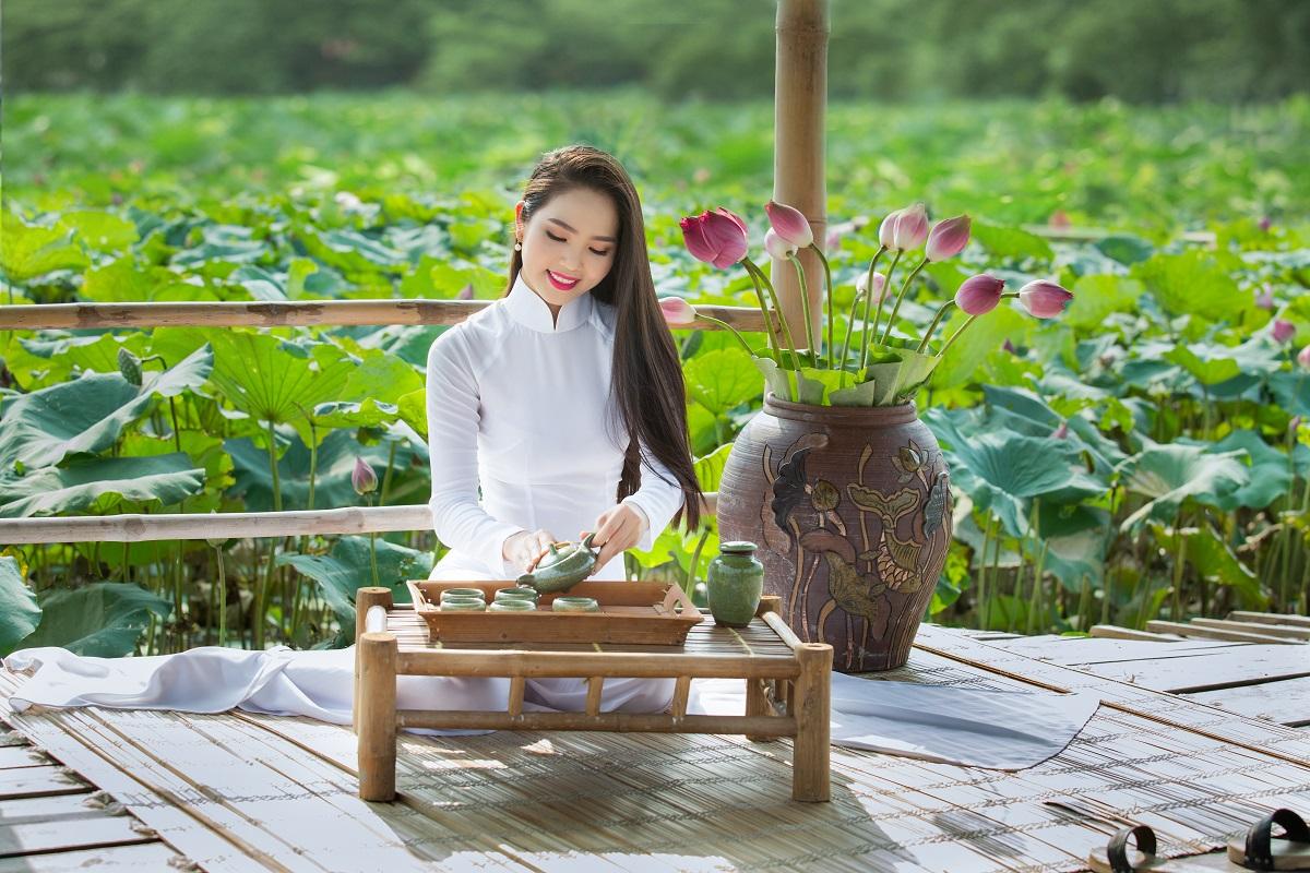 Ao Dai, the Vietnamese long dress