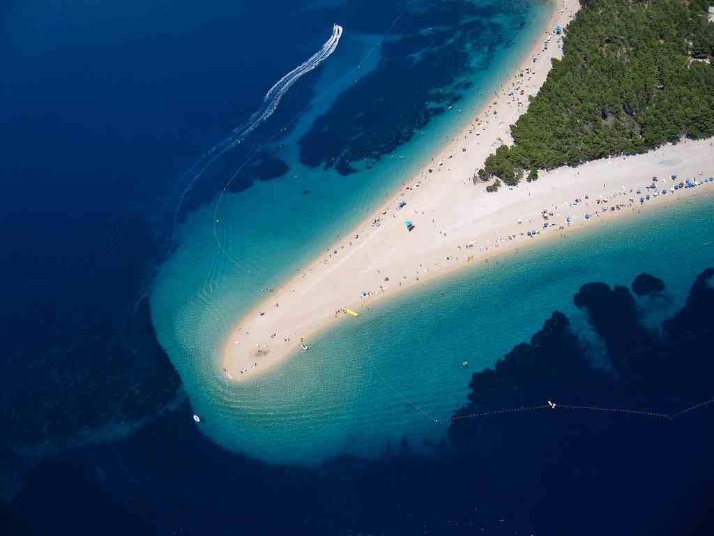 10 Awesome Beaches around the World