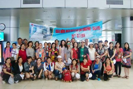 Đoàn khách Sing – Mã lớn nhất trong hè tại Vietravel Nha Trang