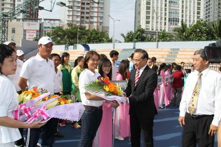 Vietravel – Nhà tài trợ chính giải quần vợt các cây vợt suất sắc Việt Nam 2014 – Cúp Vietravel