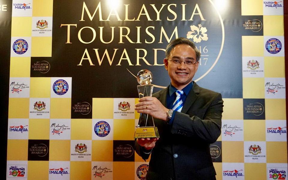 VIETRAVEL NHẬN GIẢI THƯỞNG DU LỊCH MALAYSIA, ĐÀI LOAN NĂM 2017