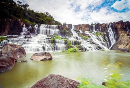 """Vẻ đẹp của """"thác nước đẹp nhất Đông Dương"""" tại Việt Nam"""