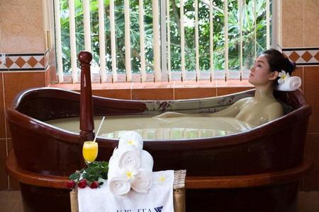 Đi Phú Quốc tắm… bùn