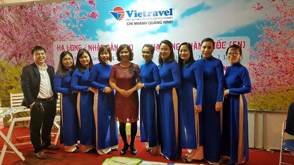 Vietravel Quảng Ninh giới thiệu sản phẩm tại Lễ hội Hoa Anh Đào - Mai Vàng Yên Tử, Hạ Long 2017