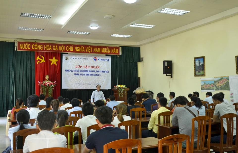 Vietravel Quy Nhơn phối hợp với Sở VHTT - DL tổ chức lớp tập huấn nghiệp vụ cho hướng dẫn viên trong tỉnh
