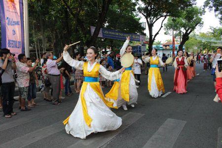 Festival Huế lần XI-2016: Sôi động Lễ hội Đường phố