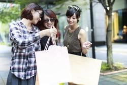 Rộn ràng mùa 'big sale' Châu Á cuối năm