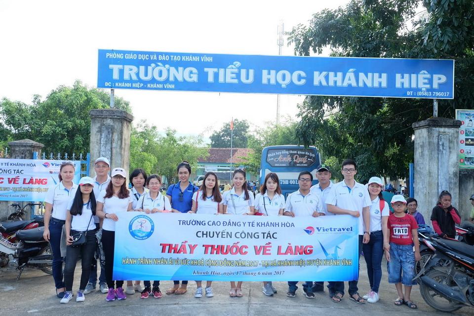 """Vietravel Nha Trang đồng hành cùng chương trình """"Thầy thuốc về làng - Hành trình nhân ái 2017"""""""