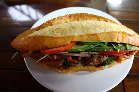 Về Hội An ăn bánh mì ngon nhất thế giới