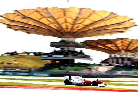 Cháy cùng đường đua Malaysian F1 Grand Prix 2015