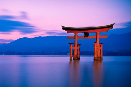 Cánh cổng thiền Torii trong văn hóa Nhật