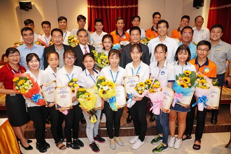 Vietravel tổ chức lễ ký kết thỏa thuận hợp tác 5 trường đại học TP.HCM và trao học bổng 'Chắp cánh ước mơ'